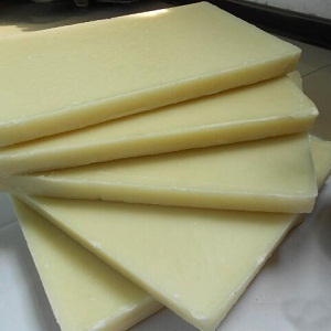 Cosmetic making white beeswax pellets