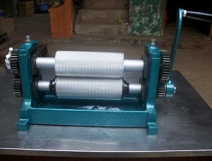 Roller length 195 manual beeswax foundation sheet machine