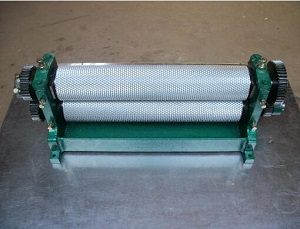 Roller length 450mm Manual beeswax foundation sheet machine