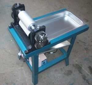Roller length 195mm Electric beeswax foundation sheet machine