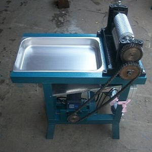 roller-length-250mm-electric-beeswax-foundation-sheet-machine